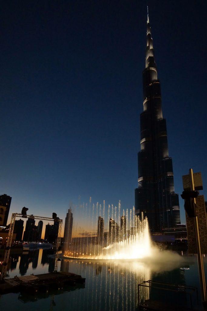 Tańczące fontanny i Khalifa