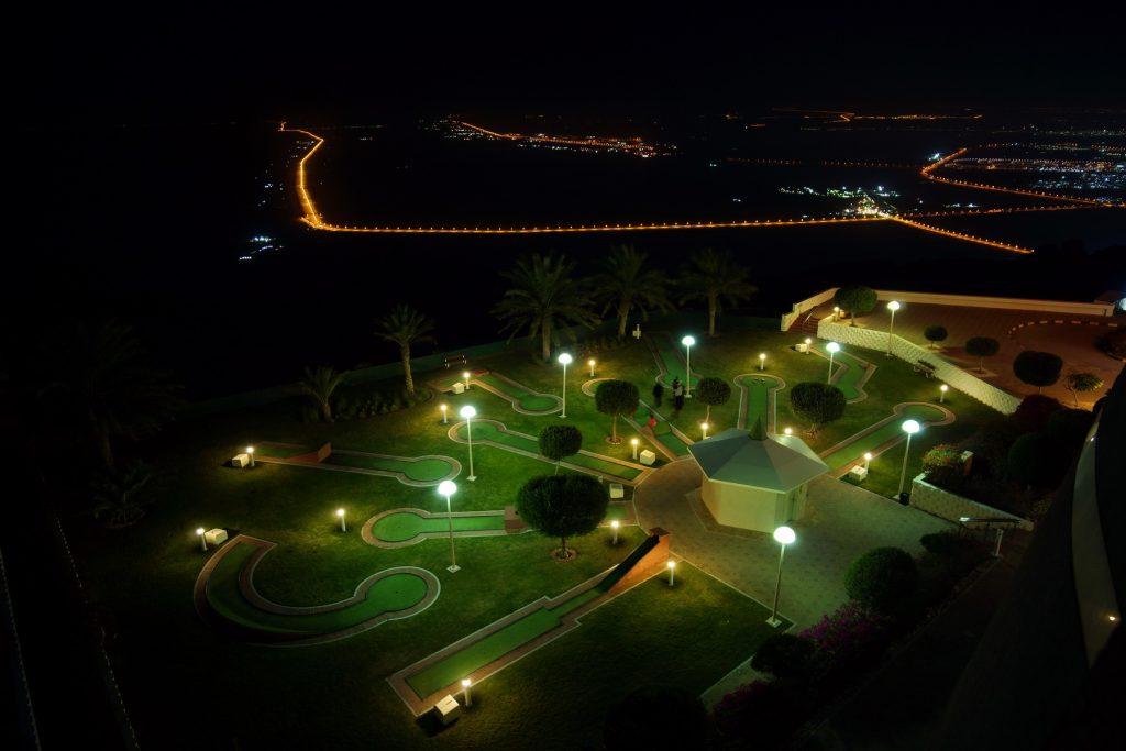 Widok z góry hotelu Mercure Grand Jebel Hafeet