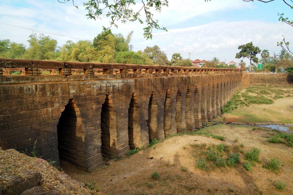 Zabytkowy most Preah Tis