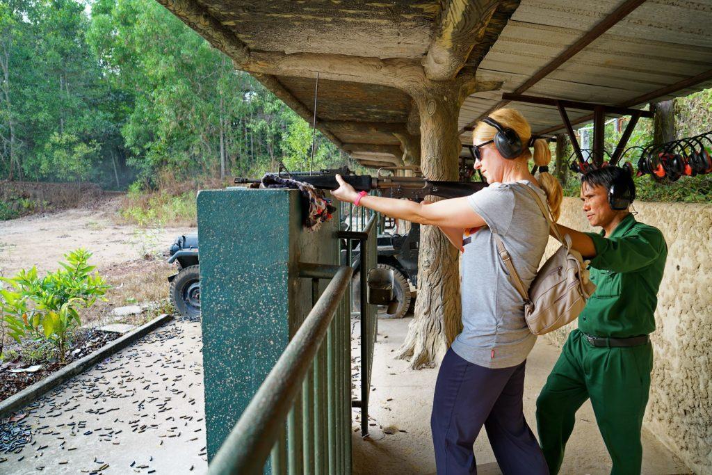 Ostre strzelanie z M16