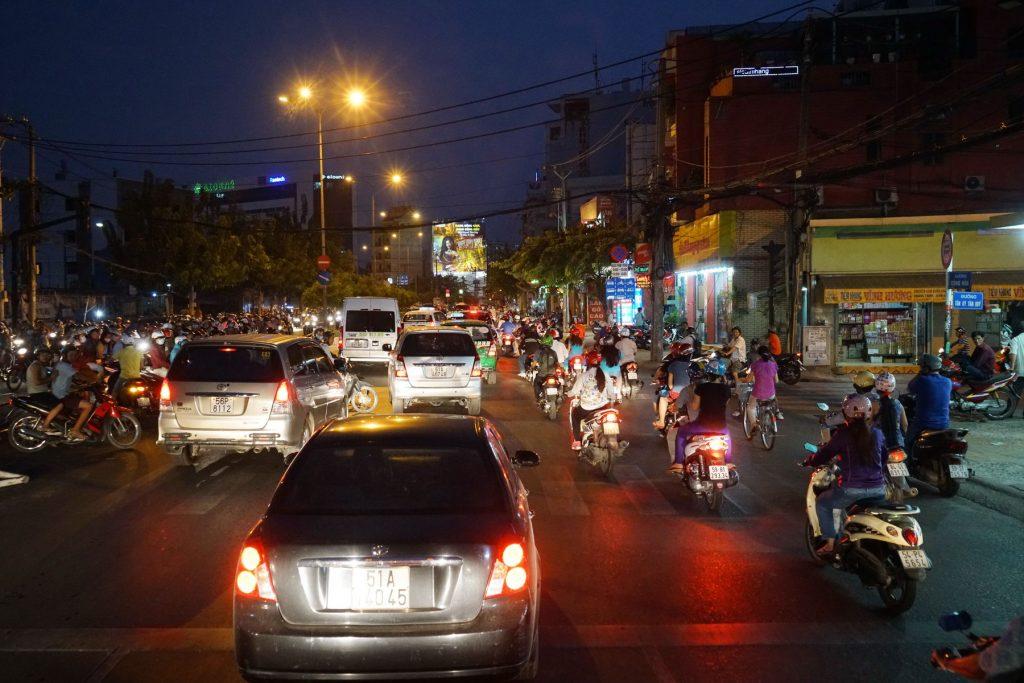 Wieczorny ruch w Sajgonie